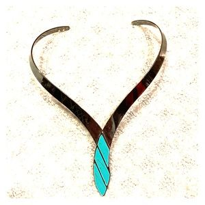 Faux turquoise collar necklace